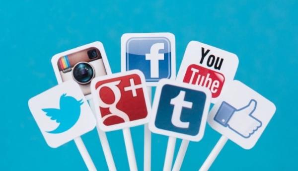 Social Media: Calendars vs. Improv Postings